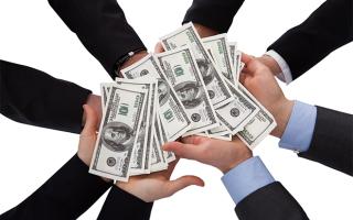 Может ли кредитная организация продать долг физического лица коллекторам?